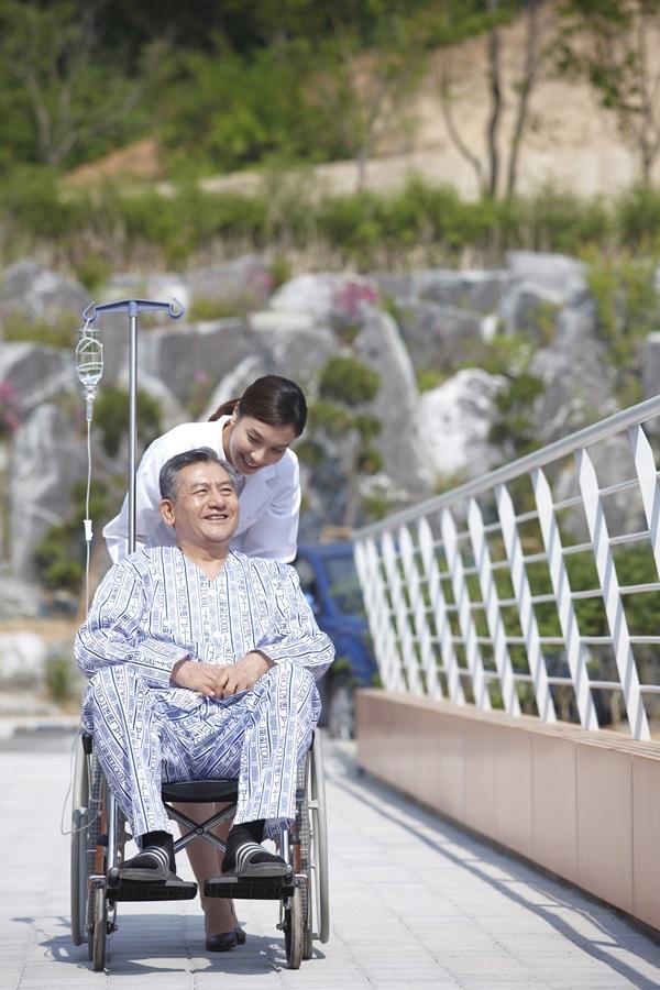 유병자 실비보험, 100세 장수시대에 필수 준비해야